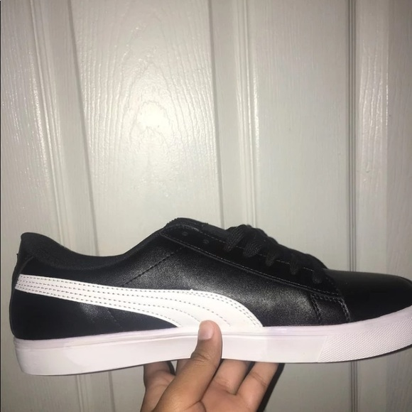 hot sale online 52593 58ce5 BTS X PUMA Boutique